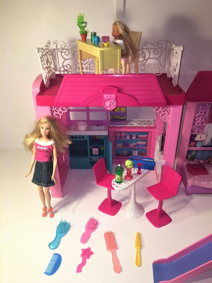 Barbie, Beach House