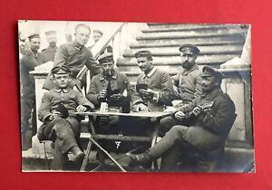 Militaer-Foto-AK-1-WK-1916-Deutsche-Soldaten-beim-Skat-spielen-Typen-44390