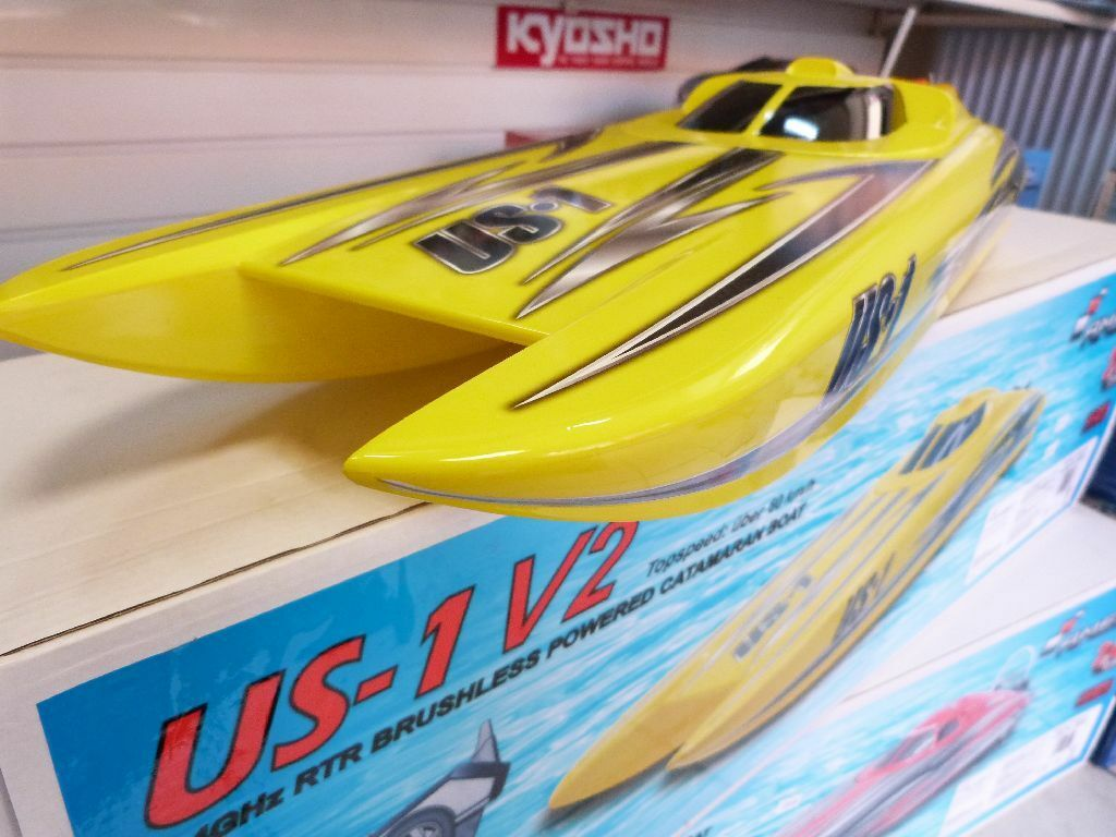 Lancha fuera borda catamarán us1 v2 4s brushless  Alpha Flame amarillo Scheme  60 km h +