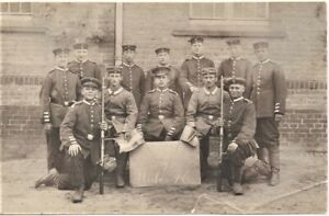 WW1-GERMAN-ARMY-PLATOON-FIXED-BAYONETS-WAR-MILITARY-RPPC-ANTIQUE-PHOTO-POSTCARD