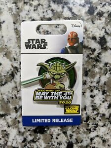 Disney-STAR-WARS-May-The-4th-Be-With-You-YODA-Pin-2020-LR-Clone-Wars-In-Hand