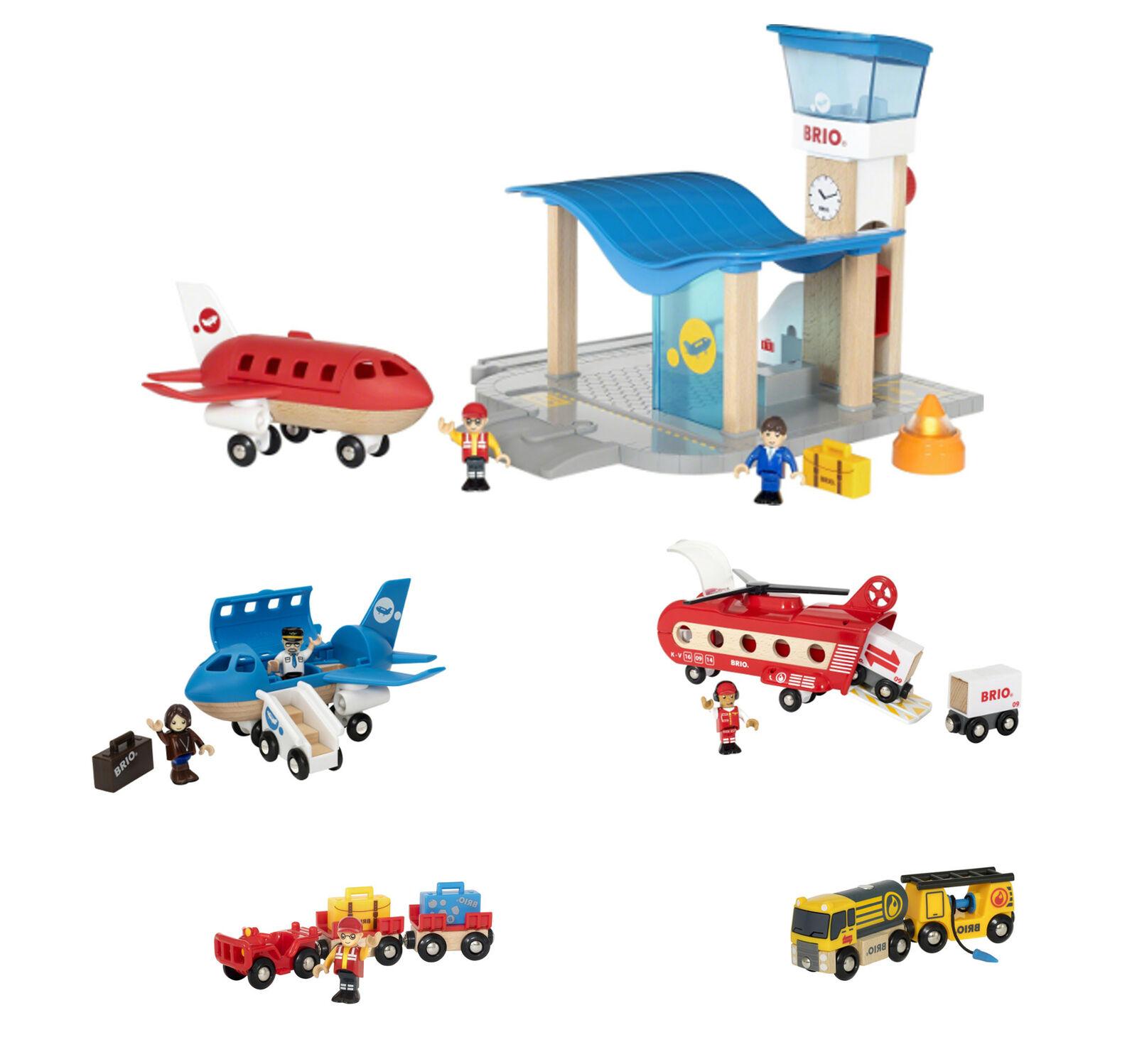 BRIO Flughafen mit Tower Blaues Flugzeug Gepäckwagen Tankwagen mit Anhänger