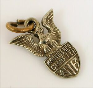 VINTAGE 1957 14K WHITE GOLD PROVIDENCE CHAPTER AIB RHODE ISLAND EAGLE CHARM !