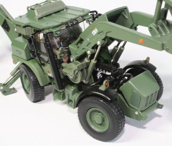 Motorart 1   50 militaire uns engin jcb hmee tractopelle kaki 13478