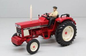 Ih 644 Tractor Tractor W / Driver 1:32, réplique du modèle