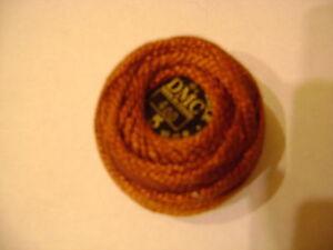 une-boule-coton-perle-DMC-grosseur-N-5-coloris-N-400-article-116