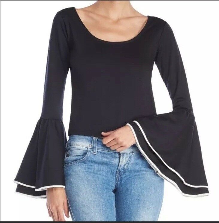 Torn By Ronny Kobo Bell sleeve schwarz top S. NWOT. Originally
