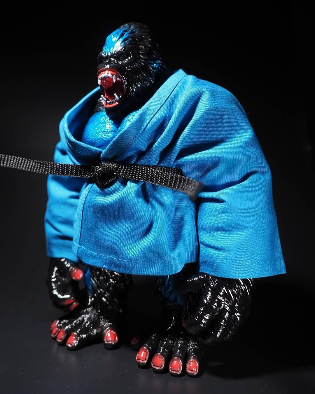 Planet-X Asia Vintage & Vinyl Club Goliathon Kaiju Vinyl Figure Gorilla