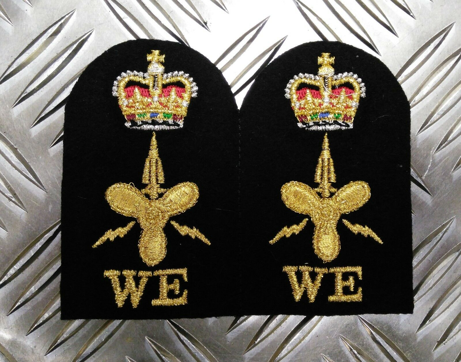 Authentique Royal Navy Brodé Assorti Branche Qualification Badges Divers Neuf Neuf Neuf ba269f