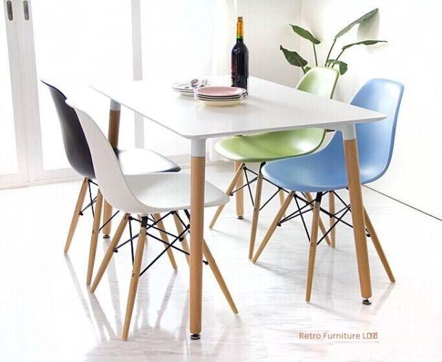 Table de salle à manger et 4 chaises Rétro DSW Eiffel... -