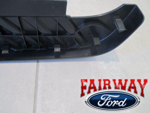 09 thru 14 F-150 OEM Genuine Ford Rear Bumper Top Step Pad Cover w//o Trailer Tow