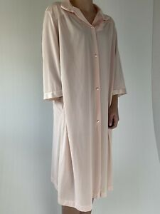 Vanity Fair Robe Vintage Satin Button Front Blush Pink Nylon Dreamy Size Large