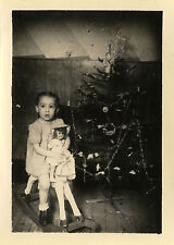 PHOTO ANCIENNE - VINTAGE SNAPSHOT - ENFANT CHEVAL BASCULE POUPÉE NOËL - DOLL TOY