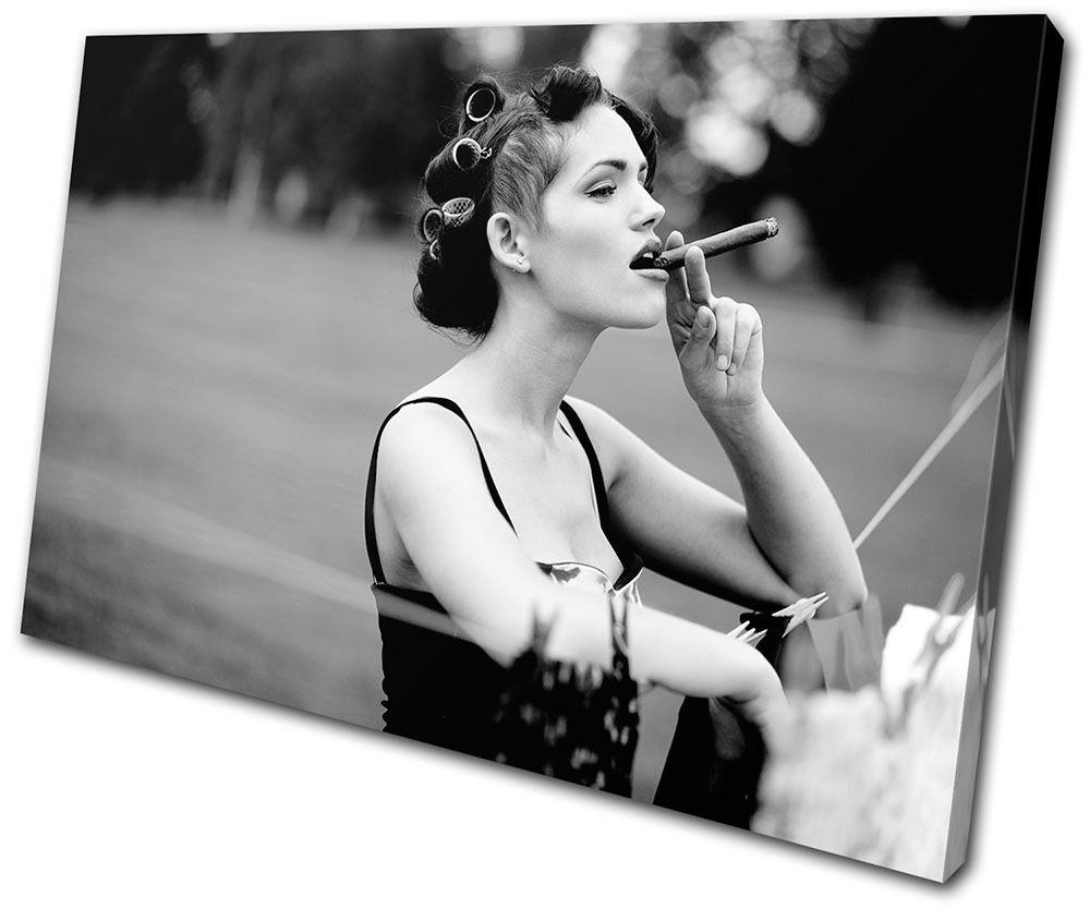 Vintage Woman Cigar B & W SINGLE TELA parete arte foto stampa