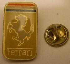 Pins FERRARI modele 3