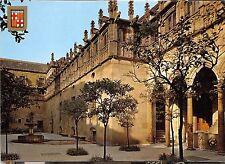 BG27510 barcelona barri gotic pati dels taragongers   spain