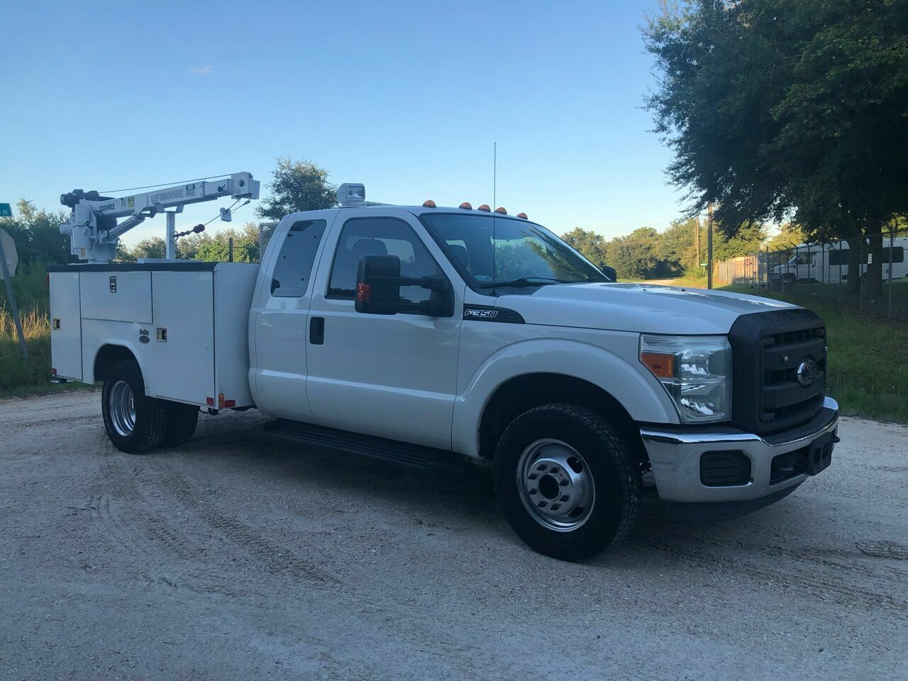 2014 Ford F-350 XLT 4x2 4dr SuperCab 162 in. WB DRW Chassis