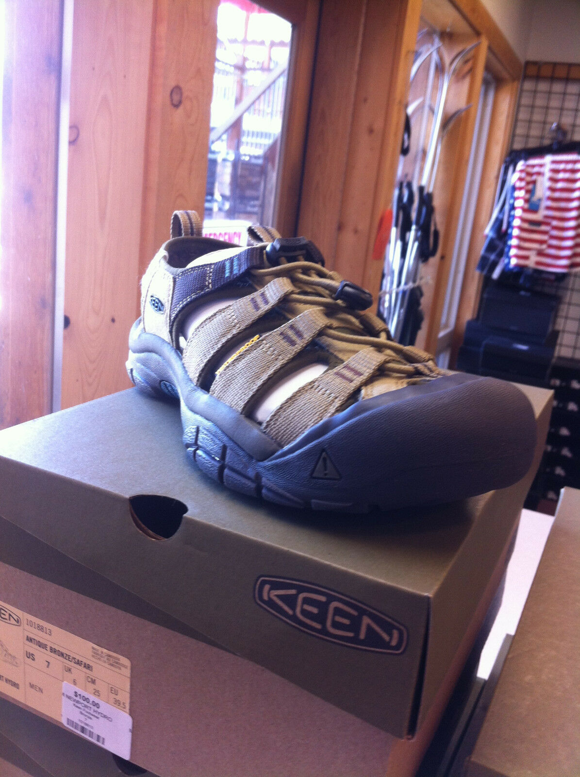 Men's Keen Newport Hydro shoes Sandal color Bronze size 8