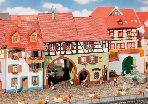 Neu H0 Stadthaus Niederes Tor Faller 130499-1//87