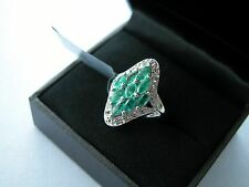 LOT 434 STUNNING EMERALD + WHITE TOPAZ SOLID STERLING SILVER RING - SIZE J 1/2
