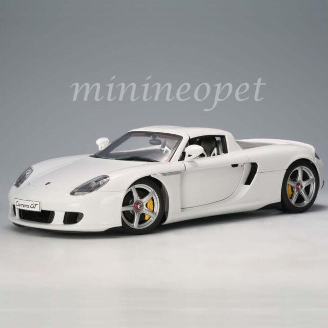 AUTOart 78045 Porsche Carrera GT White cast Car 1 18   eBay on porsche ruf ctr, porsche truck, porsche concept, porsche gt3, porsche turbo, porsche macan, porsche boxter, porsche gt3rs, porsche gt 2, porsche 904 gts, porsche sport, porsche cayman, porsche boxster, porsche gtr3, porsche mirage, porsche cayenne,