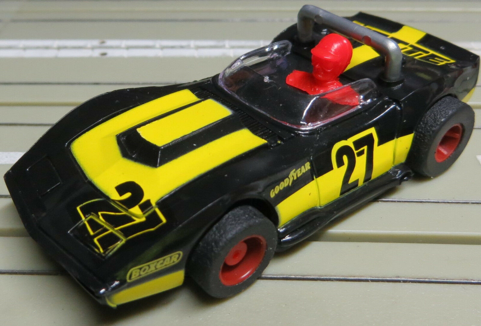 For H0 Slotcar Racing Model Railway Corvette Cabriolet with Tyco Engine