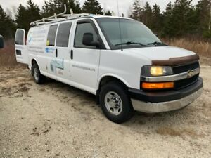2011 Chevrolet Express loaded