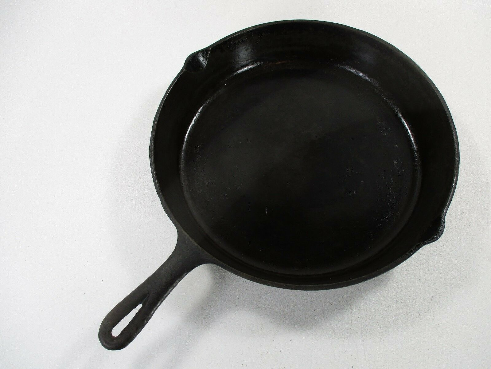 Cast iron skillet 12  camping outdoor cooking