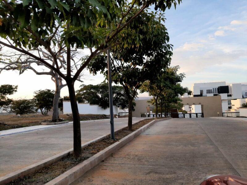 Terreno en venta Residencial La Escondida zona sur pte de la ciudad