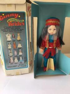 Vogue-Ginny-Doll-Vintage-International-Brides-Turkish-Turkey-1982-Orig-Box
