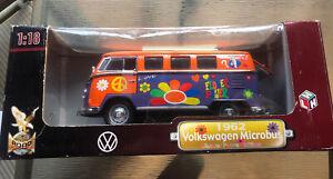YAT MING ROAD SIGNATURE 1:18 VW VOLSKWAGEN 1962 MICROBUS FLOWER POWER EDITION