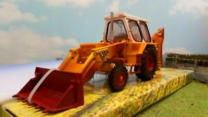 BRITAINS AT WORK WEATHERED JCB 3C MARK III DIGGER 1/32 SCALE