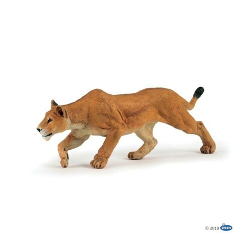 Wild Animal Kingdom Chasing Lioness figure Papo Model 50251