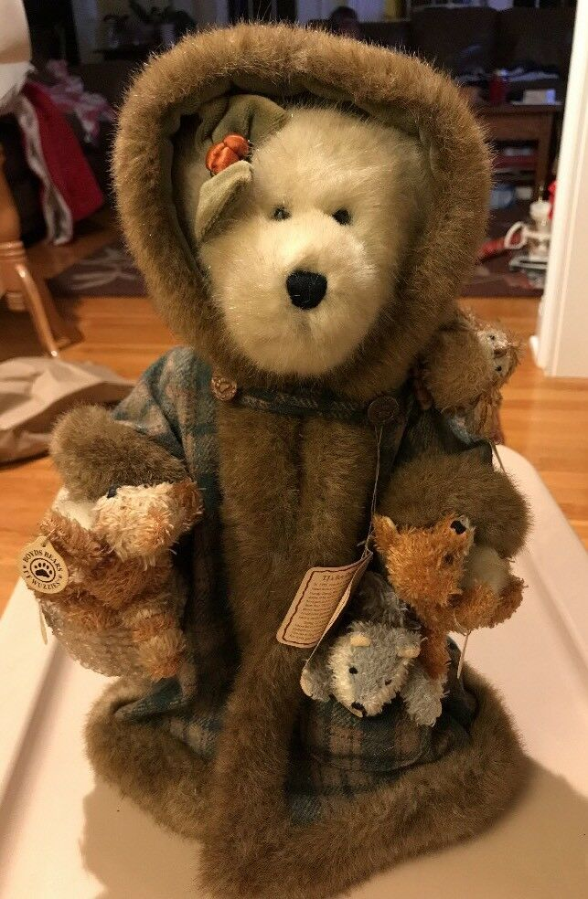 """2001 LIMITED EDITION Boyd's Bear Best Dressed Collection """"FERN WOODSBEARY"""""""