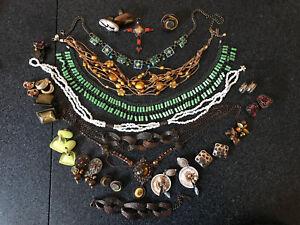 Ancien-lot-vintage-Bijoux-Broche-Boucle-Bague-collier-Mode-Signe-Paris-Jewelry