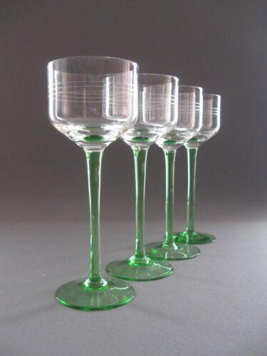 Vier stilvoll, elegante Weingläser original aus der Zeit des Art Deco um 1920
