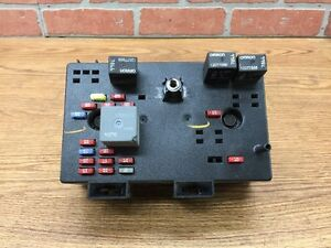 02 03 04 05 saturn vue fuse box 22685685 ebay 02 Ford Explorer Fuse Box image is loading 02 03 04 05 saturn vue fuse box