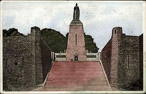 Verdun-Lothringen-s-w-AK-1920-30-La-Defense-de-Verdun-Monument-a-la-Victoire