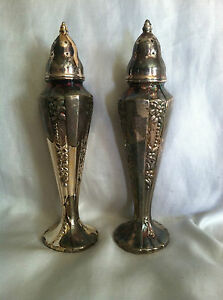 Preowned Vintage Silver Plate Salt Pepper Shaker Rogers Oneida Ltd