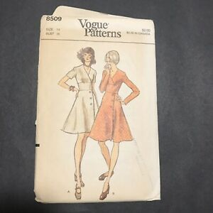 Vintage Vogue Sewing Pattern 8509 Size 14 Fitted Dress V-Neck Long Short Sleeves