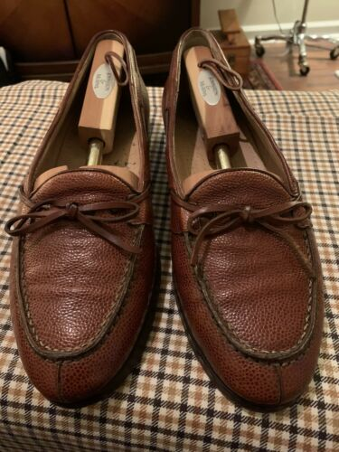Mens Pebble Grain Split Toe Loafers