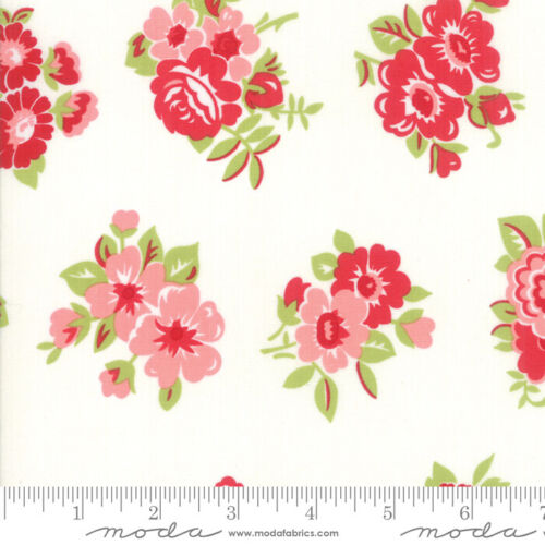 Cream by 1//2 yard MODA Fabric ~ LITTLE SNIPPETS ~ Bonnie /& Camille 55188 15