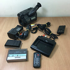 Sony CCD-TR805E Camcorder Hi 8 Handycam with Accessories and Case