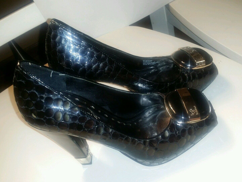Bcbg schwarz croco peep toe chunky heels with buckle