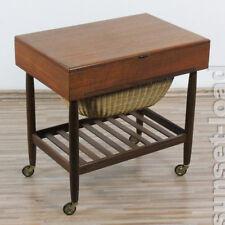 altes Näh Kästchen Tisch Rollen Teak Holz Dänemark 60er 70er Jahre alt Vintage