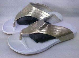 0d21d94c9bc1 HELLY WEBBER SIZE 7 41 GOLD WHITE FLIP FLOPS GOOD CONDITION FREE P P ...