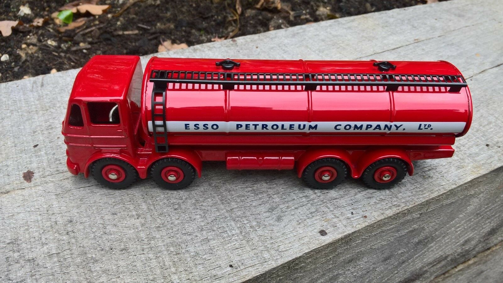 Dinky supertoys 943 leyland octopus esso tanker in box super condition