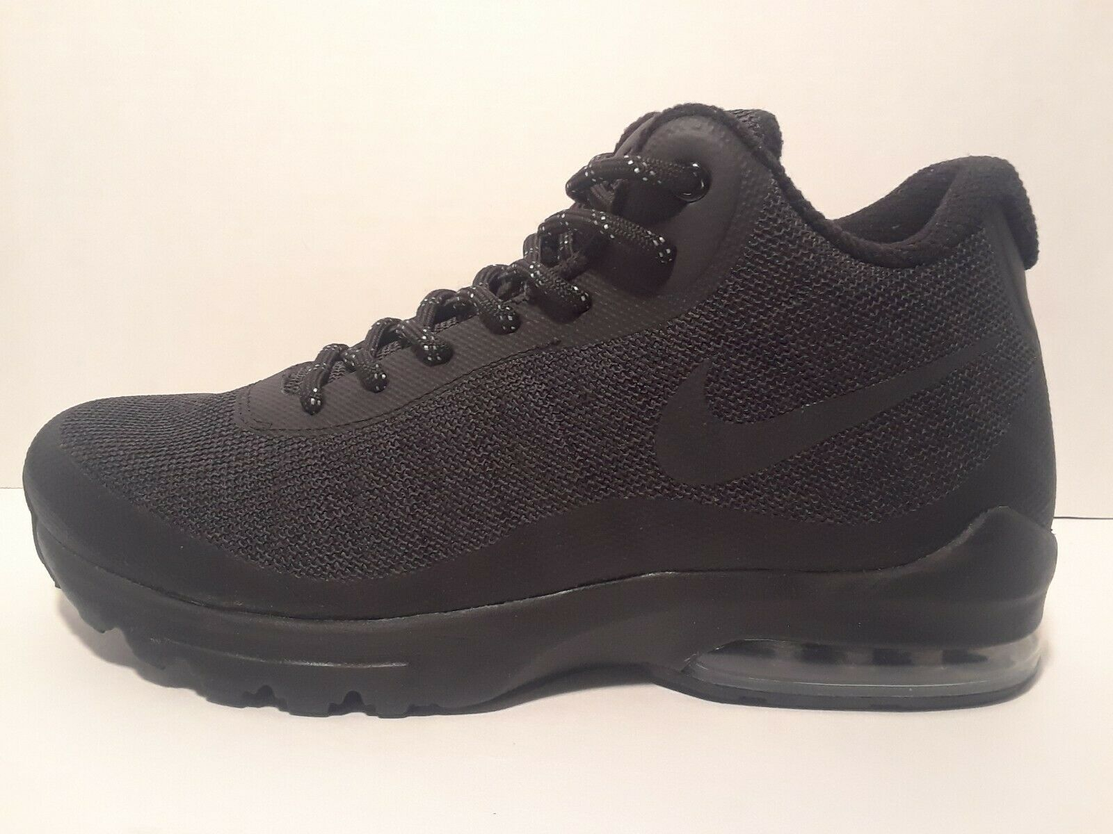 Nike Air Max Invigor Mens Black  Size 9  shoes
