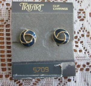 Trifari Beige Enamel Knot Post Earrings Stud Gold Tone .5\u201d Small