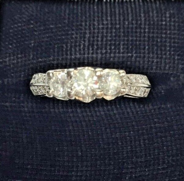 14K Solid White gold 1.00 Carat 3-Diamond & Accents Ring -size 7 (5.2 grams)
